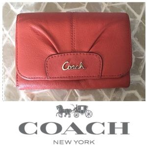 ADORABLE Coach Ashley pleated wallet in persimmon